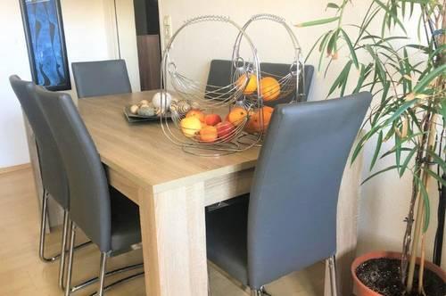 Schöne helle Wohnung mit Loggia, Lift und Platz für Ihr Home-Office! Haustiere erlaubt!
