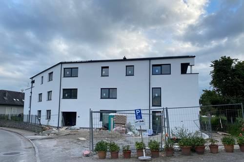 Top Moderne 3 Zimmer Neubau Wohnung mit Balkon