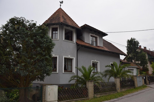 Großzügiges Einfamilienhaus in ruhiger Stadtrandlage