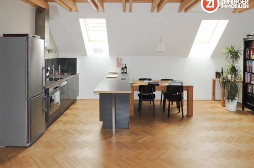 Helle großräumige Dachgeschoss-Wohnung mit Loggia - Enns Hauptplatz