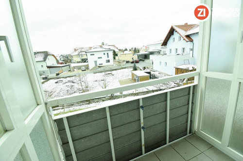 !Provisionsfrei! Sonnige 3-ZI-Whg. mit Loggia und TG-Platz