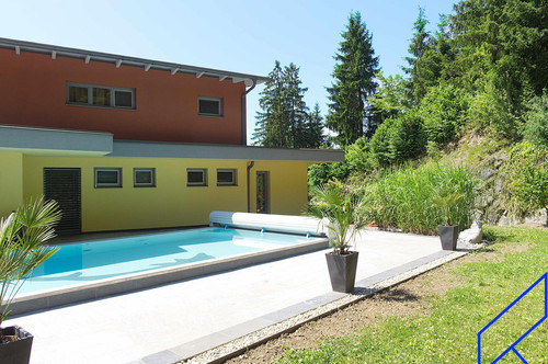Mehrfamilienhaus in Seenähe, diskret eingebettet in schöner Natur