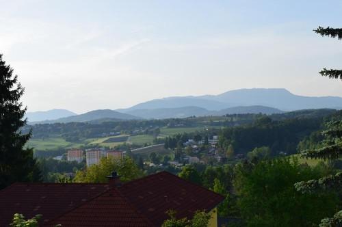 Wohnen im 1.OG von Graz - Top Baugrund mit Bestandsobjekt in Waltendorf.