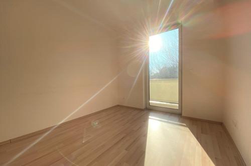 Ruhige 2 Zimmer Wohnung | Balkon | großzügige Küche mit Sitzgelegenheit | unbefristetes Mietverhältnis | Eggendorf