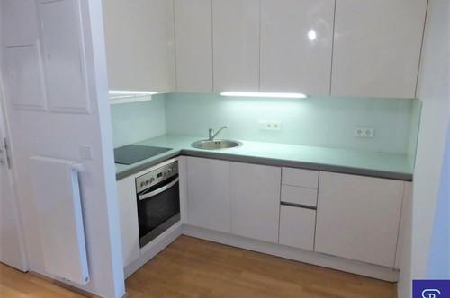 Stylische 54m² DG-Wohnung mit Einbauküche und Klimaanlage - 1020 Wien