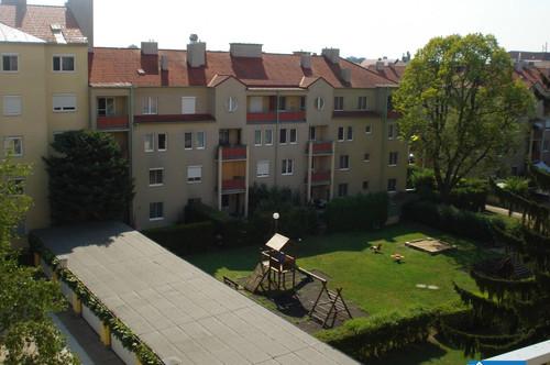 Gepflegte Mietwohnung Nähe Bahnhof / Hauptplatz mit hofseitigen Balkon