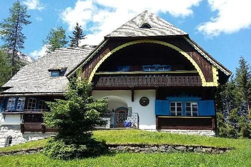 Zauberhafte Stilvilla an der Alpen-Südseite