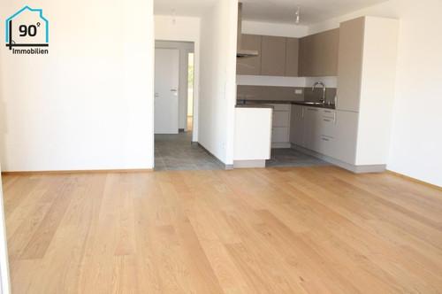 Neuwertige 3 Zimmer Wohnung mit 2 Balkonen