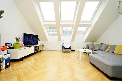 Möblierter Dachgeschoßtraum in 1020 Wien!