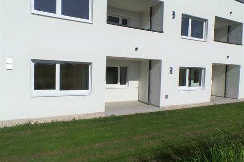 Ob für Singles oder Pärchen, moderne Neubauwohnung mit Gartenanteil und TG-Platz!!