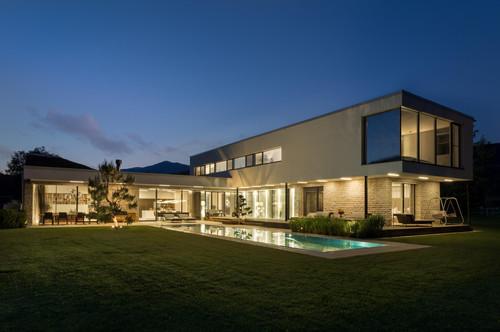 Reserviert !! Aussergewöhnliche Design-Pool-Villa auf 8300m2 angelegtem Park - incl. Einrichtung - Provisionsfrei von Privat