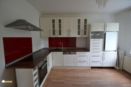 Wohnzimmer, große Küche und 2 Schlafzimmer