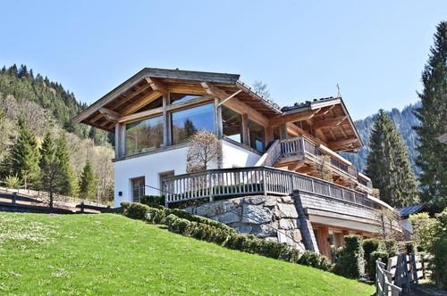 Neuwertiges Landhaus im idyllischen Dorf Aschau