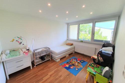 **** Sehr helle gepflegte 3 Zimmer Wfl. 73 m²  Wohnung mit Loggia 5,1 m²  ****