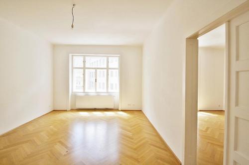 CHARMANTE ALTBAUwohnung mit 3 große separate Zimmer!  Klopfbalkon, Unbefristet, sehr hell!  Gepflegtes Haus in Rathaus Nähe!
