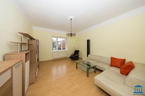 Gut aufgeteilte Innenstadt-Wohnung mit Dachterrasse sowie Parkplatz-Option in ruhiger Lage