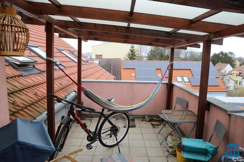 Vermietete Anleger DG-Wohnung mit Terrasse im Zentrum