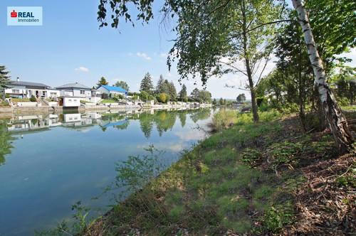 2434 Götzendorf an der Leitha, Zwei traumhafte Grundstücke am Badeteich inkl. Bungalow!