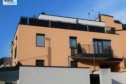 Neuwertige 2 Zimmer-Wohnung mit Balkon im Niedrigenergiehaus