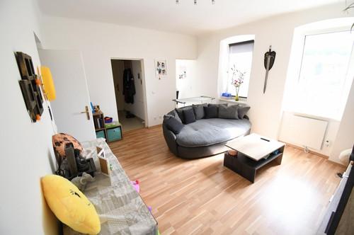 Gepflegte 2,5 / 3 Zimmer WHG direkt in Berndorf - Optimal für Singles oder Pärchen