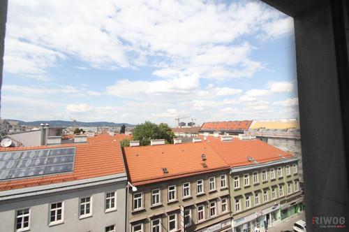 MODERNE WOHNUNG MIT FERNBLICK, U-Bahn-Nähe, Klimaanlage, top ausgestattet