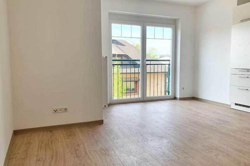 Gepflegte, lichtdurchflutete 3 Zimmer Wohnung mit Lift (inkl. Küche) und Wippen-Garagenplatz