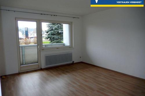 <B>Gepflegte Mietwohnung im Erdgeschoss, neu überarbeitet!</B>