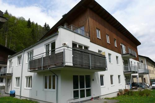 WOHNEN MIT GEMÜTLICHKEIT! Geförderte 2-Zimmerwohnung mit Balkon und Abstellplatz!