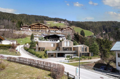 Luxus Chalet - Ski in, Ski Out (C2)