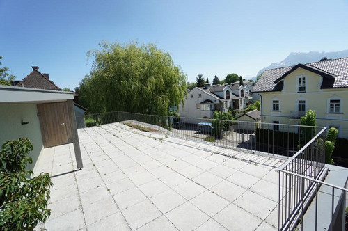 Auf der Sonnenseite! Lifestyle-Wohnen in Gründerzeitvilla mit XXL-Panoramaterrasse