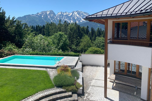 Panoramavilla auf  900 m Seehöhe! Cool am Pool in sonniger Ruhelage samt 360° Bergblick