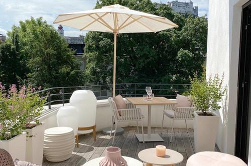 First Class Villenetage! Purer Terrassen Lifestyle mit Festungsblick inmitten der Altstadt