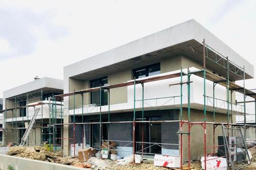 Beliebte Wohnlage in Strasshof! Modernes Eck - Einfamilienhaus mit Photovoltaikanlage