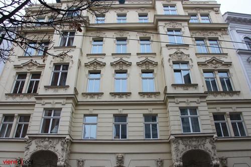 Helle 3 Zimmer-Wohnung im 7. Bezirk in völliger Ruhelage - unbefristet