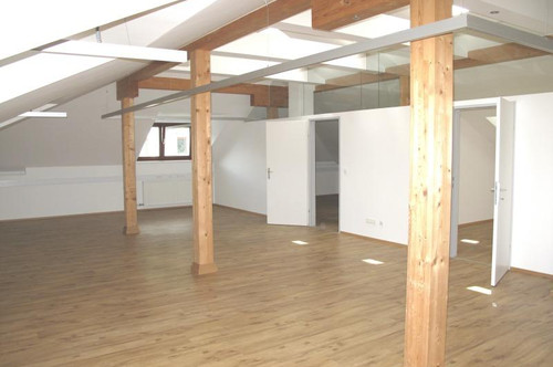 Helles Großraumbüro in Mühlau!