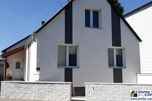 Bezugsfertiges Einfamilienhaus mit schönem Garten in ruhiger Lage in Stoob