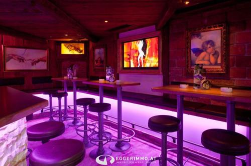 Gut geführtes Restaurant | Bar | Vinothek direkt im Zentrum von Kaprun zu verpachten