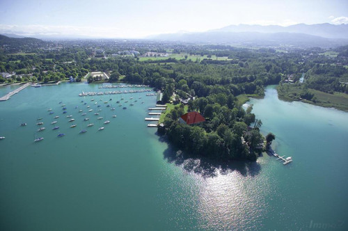 Wörthersee - Luxusvilla direkt am Wasser | Lake Woerthersee - luxurious lakefront villa