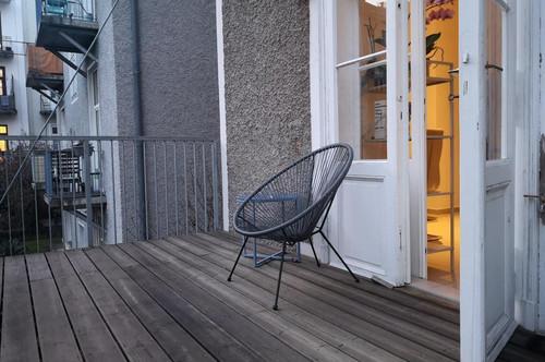 Graz - Geidorf: Drei Zimmer Wohnung mit großzügigem Innenhof-Balkon in guter Lage