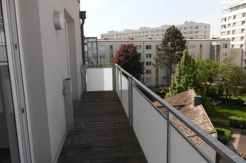 Weitläufige 3-Zimmer-Wohnung mit gr. Balkon - Drouotstraße 4 zu vermieten - Top 16