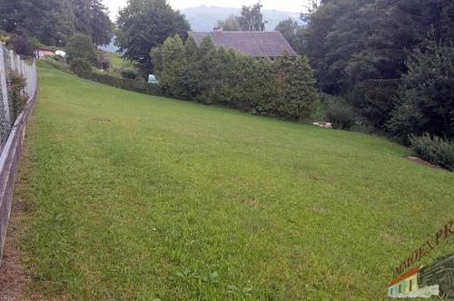 Grundstück am Waldrand , voll aufgeschlossen, zu verkaufen.