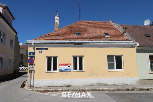 Einmalige Gelegenheit! Kleines Innenstadthaus, renovierungsbedürftig mit großer Werkstatt