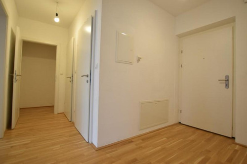 Ries - 53m² - Nähe LKH -  2 Zimmer - große Terrasse - Tiefgarage