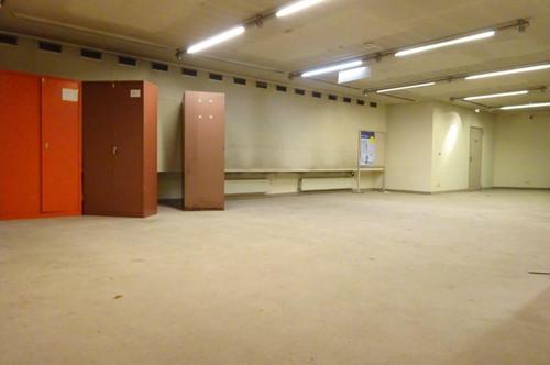 Zentral gelegene, großzügige Gewerbefläche am Dietrichsteinplatz – ideal als Lager, Escape Room, Werkstatt, Produktions- oder Seminarraum