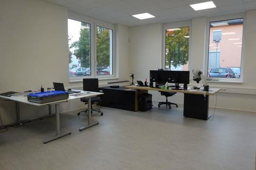 Sehr modernes Büro mit KFZ-Abstellplatz in unmittelbarer Nähe zur Puchstraße
