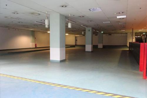 Sehr zentrale Kantine/ Veranstaltungshalle mit Küche, Kühlräumen und Ess-Salon in einem Grazer Büro- & Logistikcenter - 730 m² groß - 1. Monat mietfrei