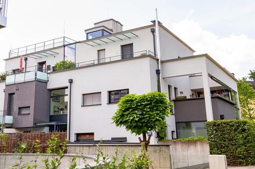 Moderne Terrassenwohnung mit Festungsblick