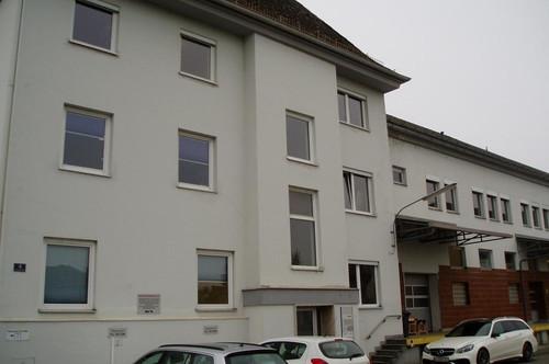 Bürogebäude mit Lagerräumer (von 40,3m² - 252,6 m²)