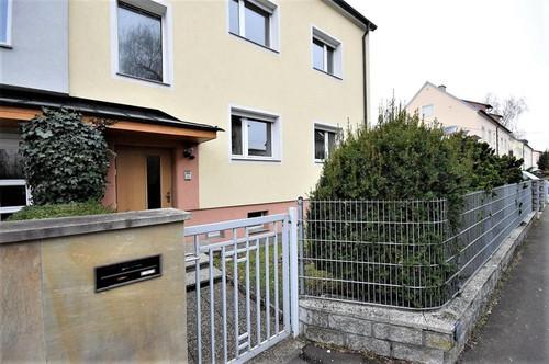 Ruhiges großzügiges Wohnhaus mit 3 nahezu neuwertigen Wohnungen - Linz Neue Heimat