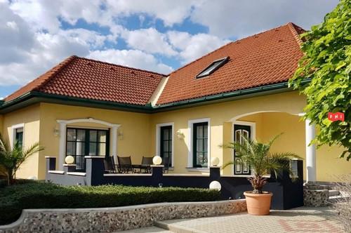 Großzügiges Haus mit 7 Zimmern und Garten